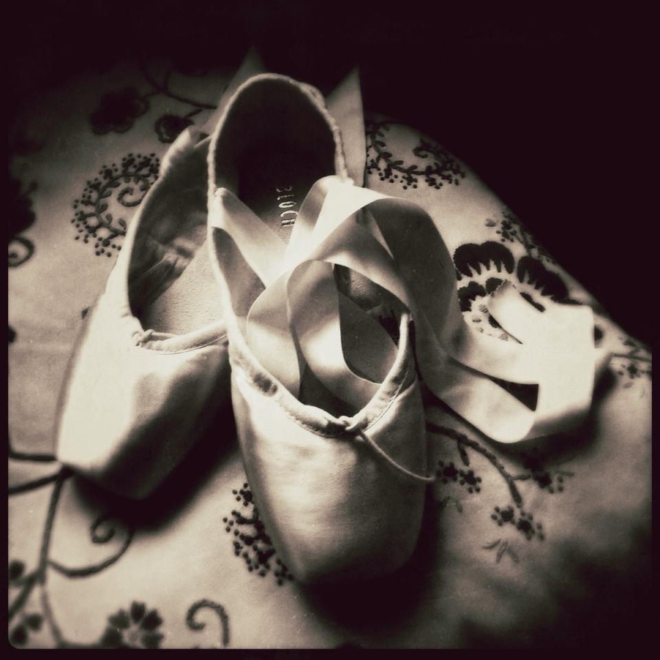 'Her first pointe shoes' by @vixenscry